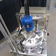 Rührmaschine mit Hubverfahreinheit / Agitator with lifting unit